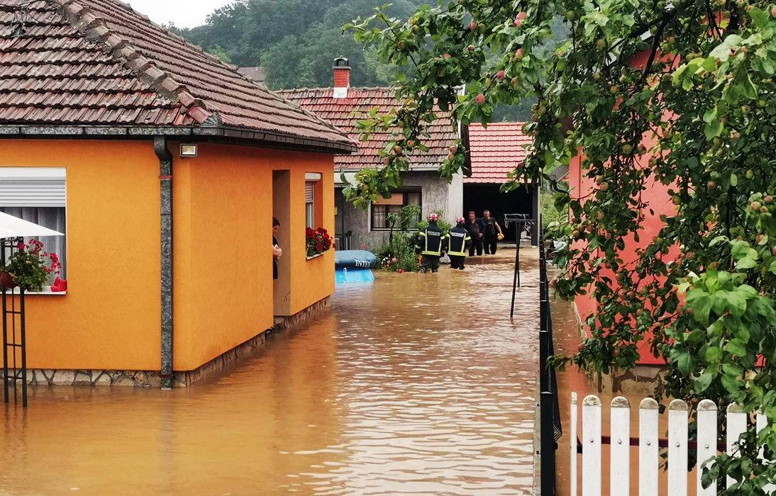 Zbog poplava vanredno u 15 opština, nestao bračni par iz Studenice