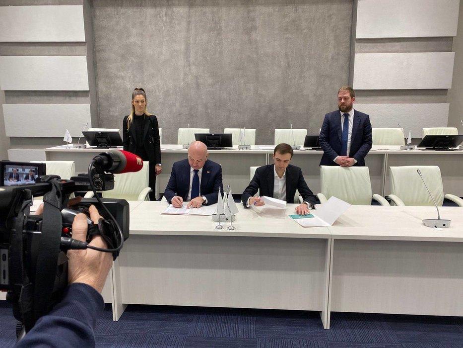 Popović: Uz podršku predsednika Vučića započeli razgovori o proizvodnji ruske vakcine u Srbiji