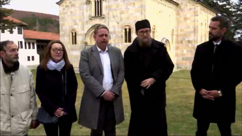 Pavićević i Jović u poseti Visokim Dečanima i Đakovici