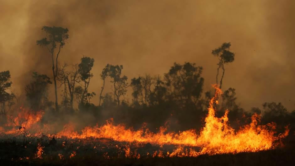 U požarima u Australiji dvoje stradalo, petoro nestalo