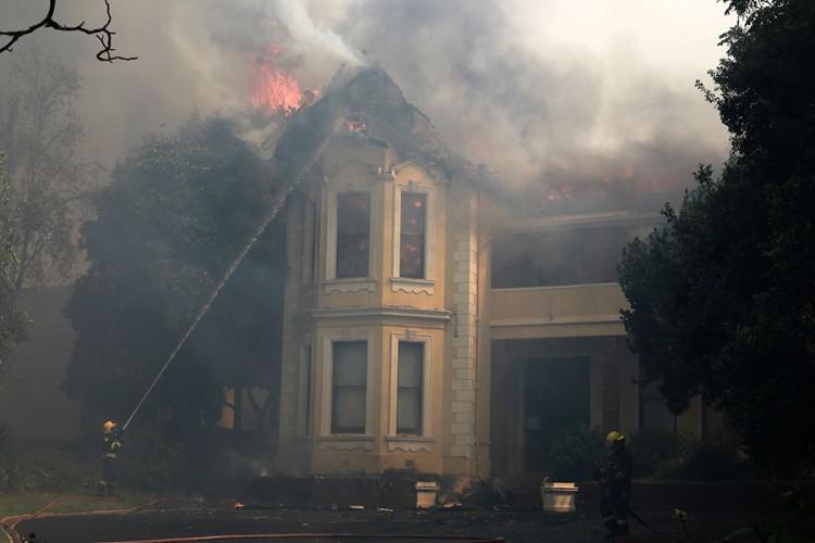 Požar zahvatio kampus Univerziteta Kejp Taun