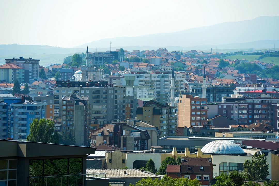 Na Kosovu u štrajku zaposleni u zdravstvu i prosveti