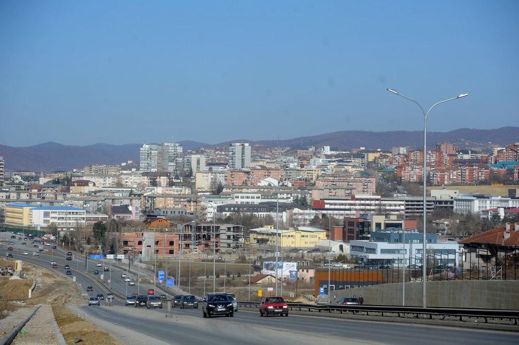 Hamiti: Totalna nestabilnost institucija na Kosovu