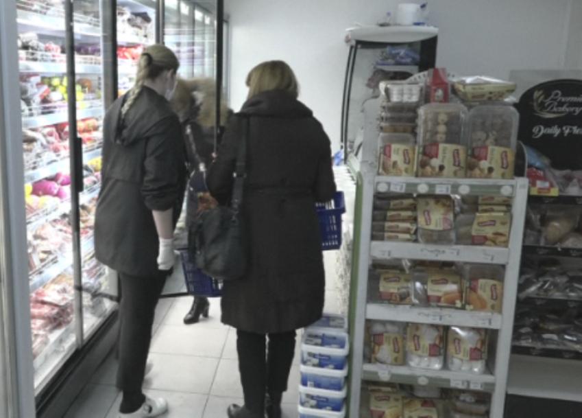 Gračanica: Prodavnice snabdevene, velikih gužvi nema