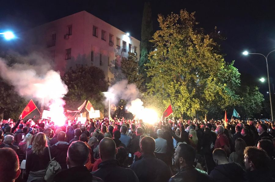 Podgorica: Održan protest ispred zgrade Vlade Crne Gore