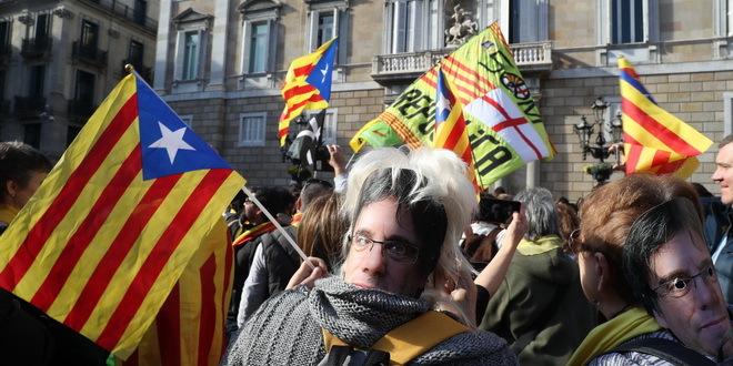 Sukobi policije i demonstranata u Barseloni, petoro povređeno