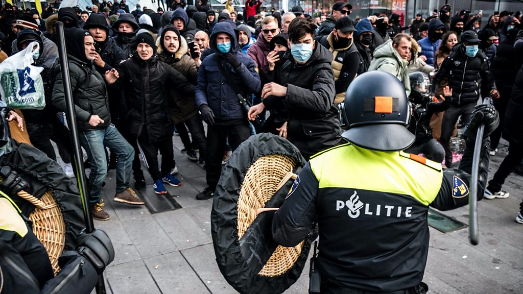 Četvrta noć protesta u Holandiji, policiji data veća ovlašćenja