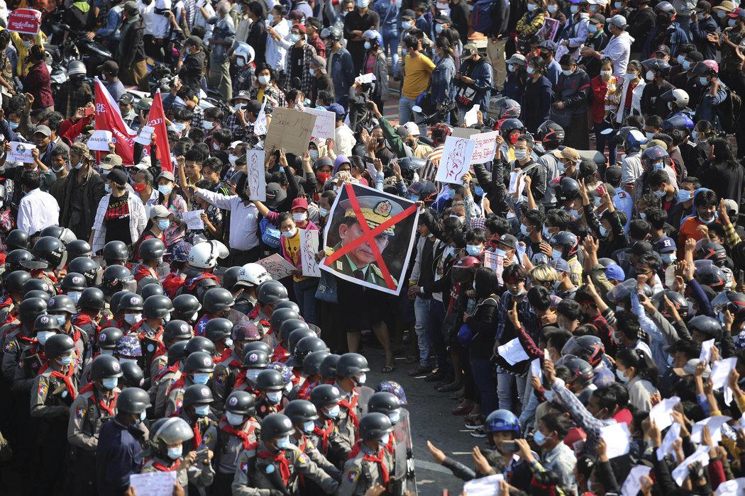 Mjanmar: Uhapšeno na stotine demonstranata