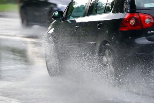 Opreznija vožnja zbog vlažnih i mokrih kolovoza