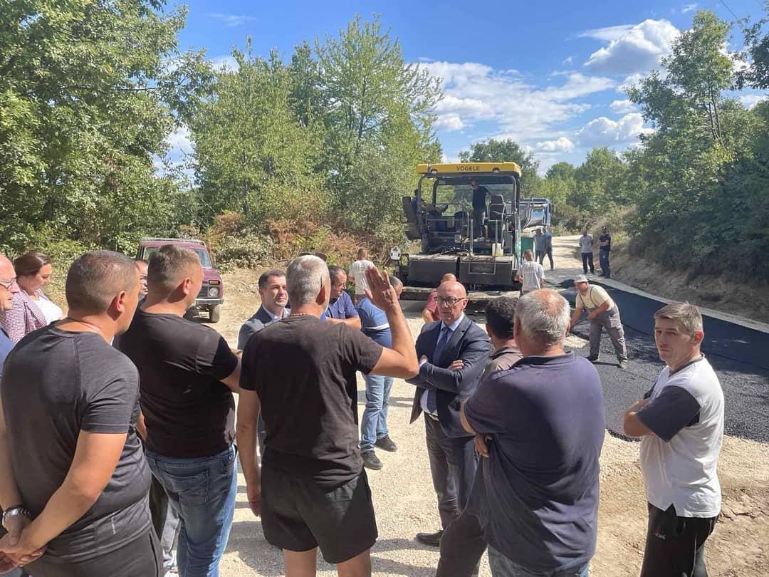 Rakić: Započeta prva faza asfaltiranja puta Tresava-Bare u opštini Leposavić