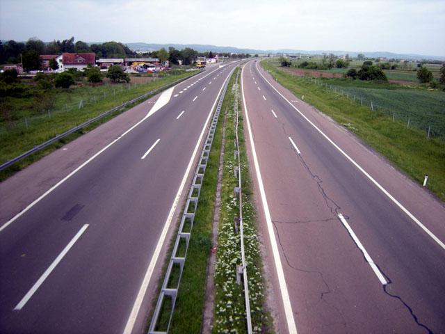 Dobri uslovi za vožnju, očekuje se pojačan saobraćaj