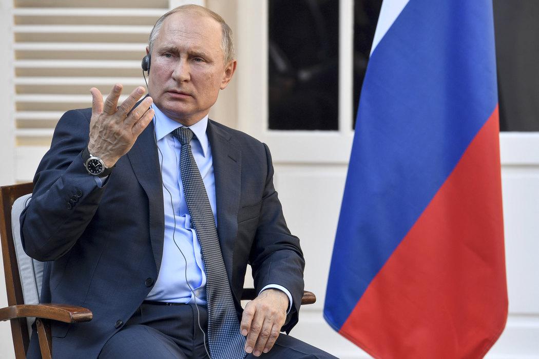 Putin: Pokrenuti pripremu proizvodnje vakcine protiv koronavirusa u Rusiji
