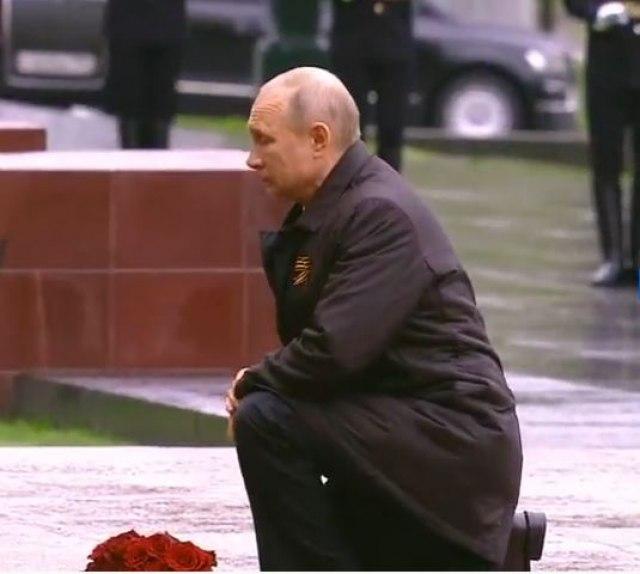 Putin: Klanjamo se pred pokoljenjem pobednika, to što ste uradili ne može da se plati