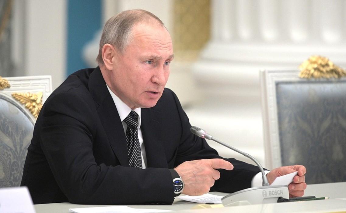 Putin: Ko god na nas krene mačem, nestaće od mača