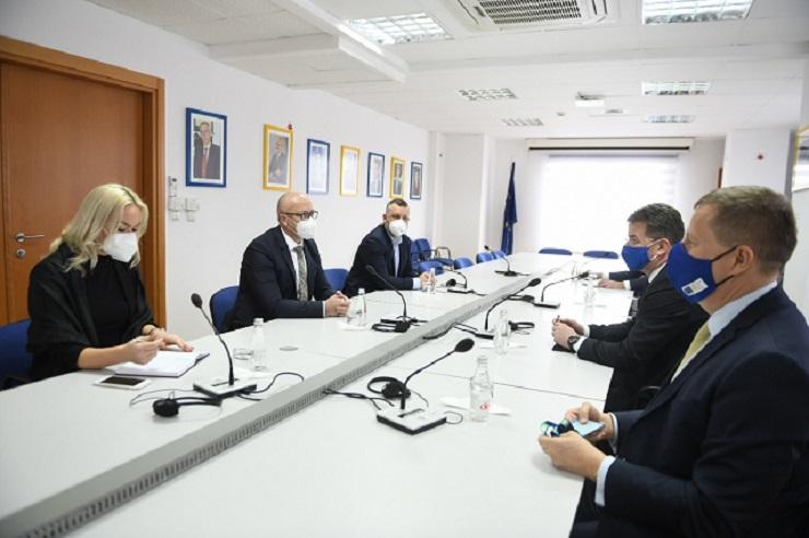 Rakić i Jevtić na sastanku sa Lajčakom