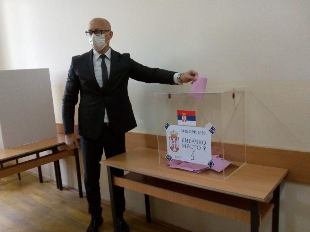 Glasali kandidati za poslanike i predstavnici Srpske liste
