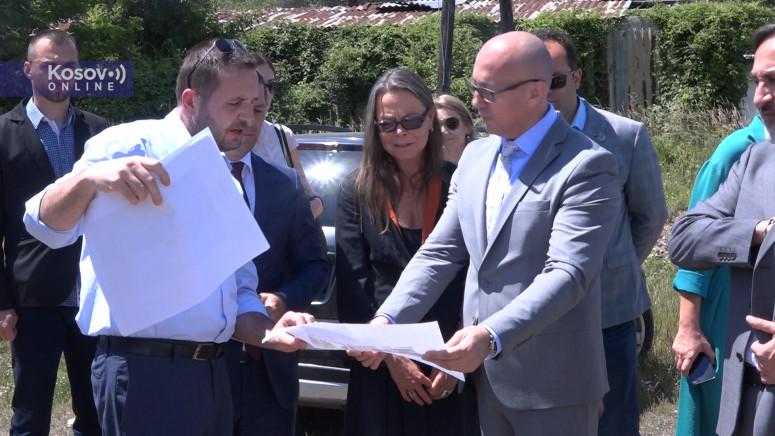 Rakić najavio izgradnju dve zgrade za izbegla i raseljena lica u Leposaviću