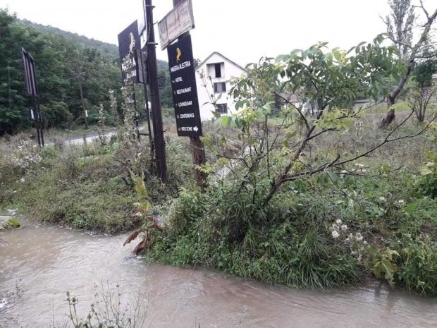 Meštani Brnjice strahuju od izlivanja rečnog korita
