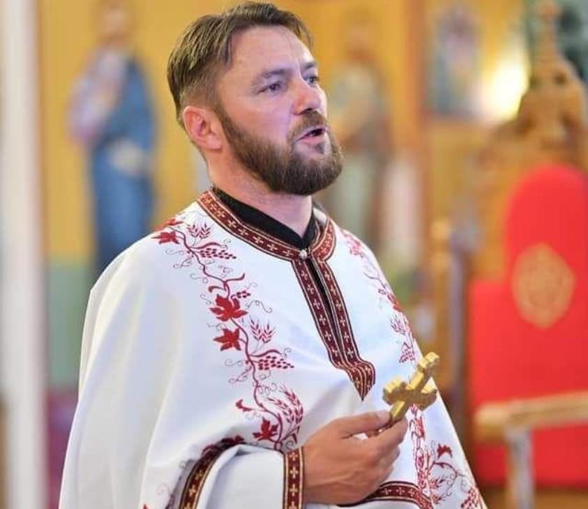 Sveštenik SPC Saša Janjić proteran iz Crne Gore