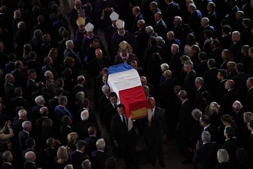 Sahranjen bivši francuski predsednik Žak Širak