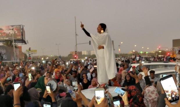 Pretnje smrću Ali Salah, simbolu protesta u Sudanu