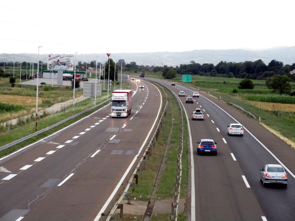 Umeren saobraćaj, bez gužvi i zastoja