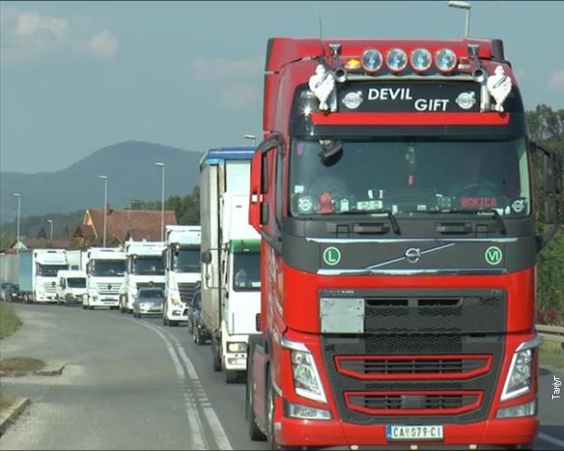 Kamioni čekaju dva sata na Horgošu, jedan sat na Kelebiji