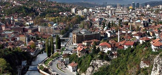 Hiljade ljudi na protestima u Sarajevu zbog stanja u državi
