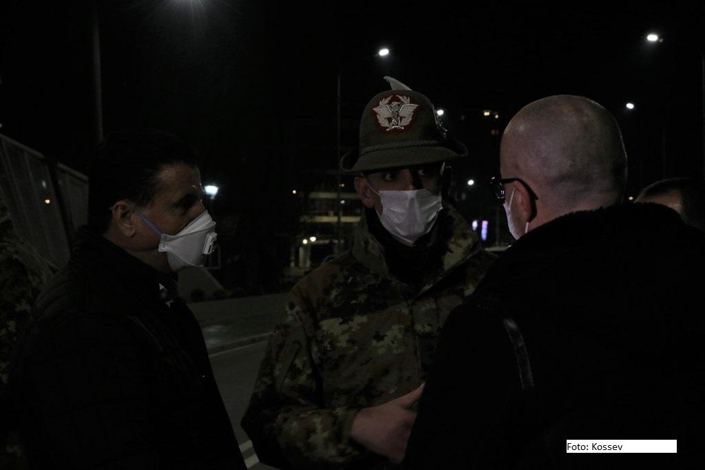 Kosovska Mitrovica: Bahtiri i Rakić na Ibarskom mostu sa generalom KFOR-a