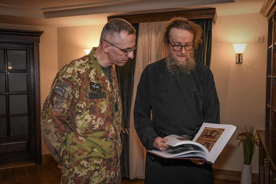 Komandant Kfora i Sava Janjić o zaštiti svetinja SPC na Kosovu