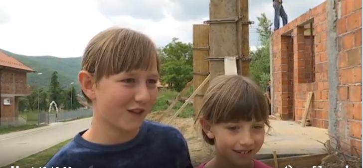 Meštani Zubinog Potoka vraćaju osmeh Tamari i Tijani