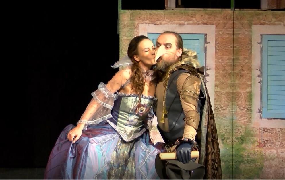 'Sirano' oduševio publiku u Zvečanu
