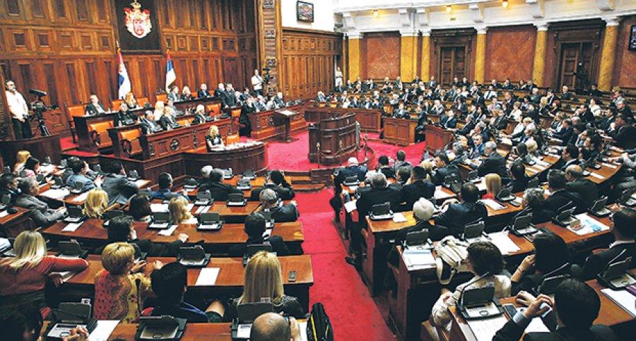 Poslanička pitanja, pa amandmani na zakon o starim studentima