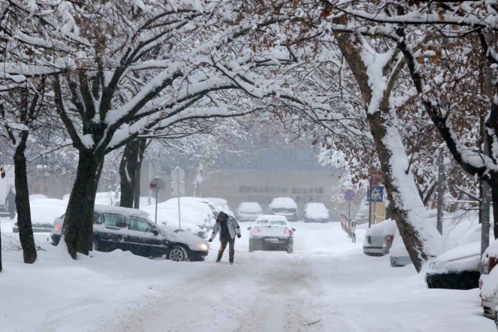 Sunovrat temperature od utorka – zahlađenje, olujni vetar, sneg