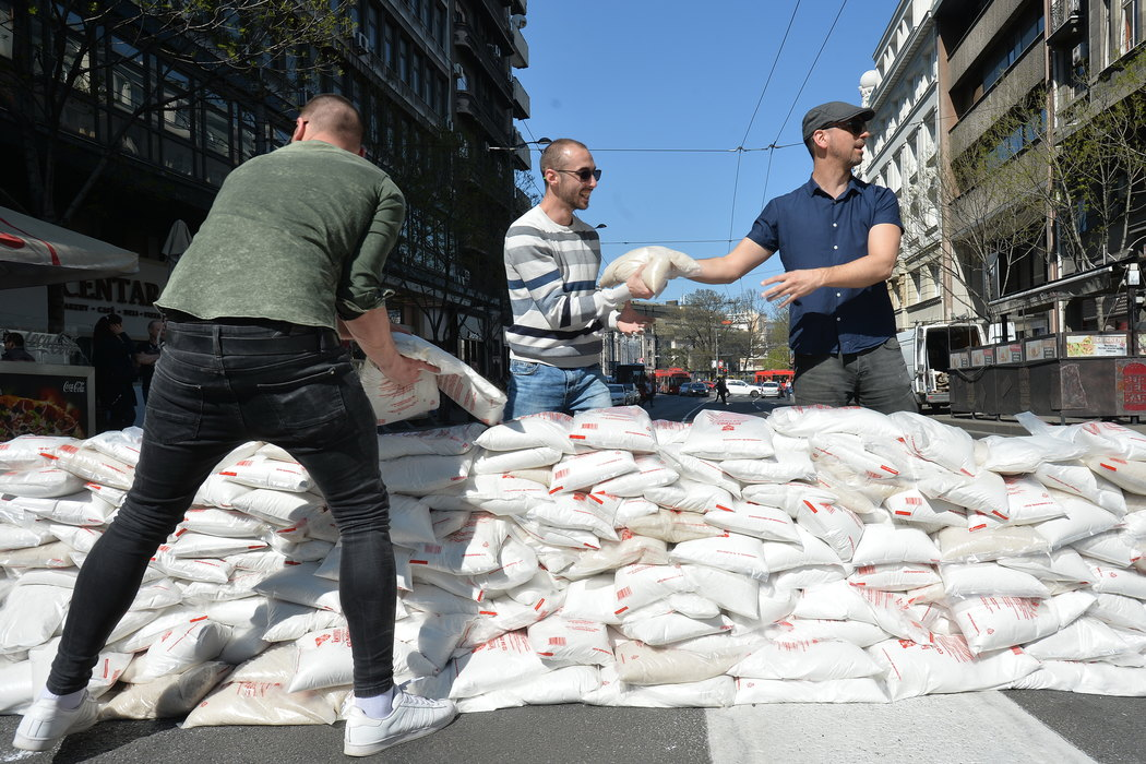 Vesić: Krivične prijave zbog džakova i blokade Kolarčeve ulice