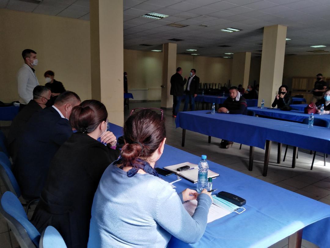 SO Severna Mitrovica: Rušenje ilegalnih objekata obustavljeno; slede pregovori