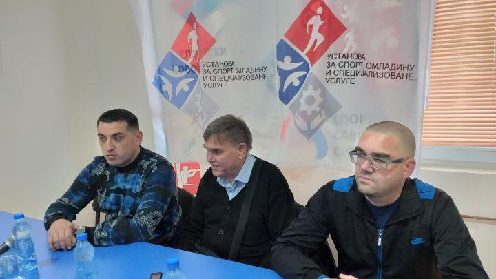 Spirić sa predstavnicima Udruženja slepih i slabovidih u Kosovskoj Mitrovici