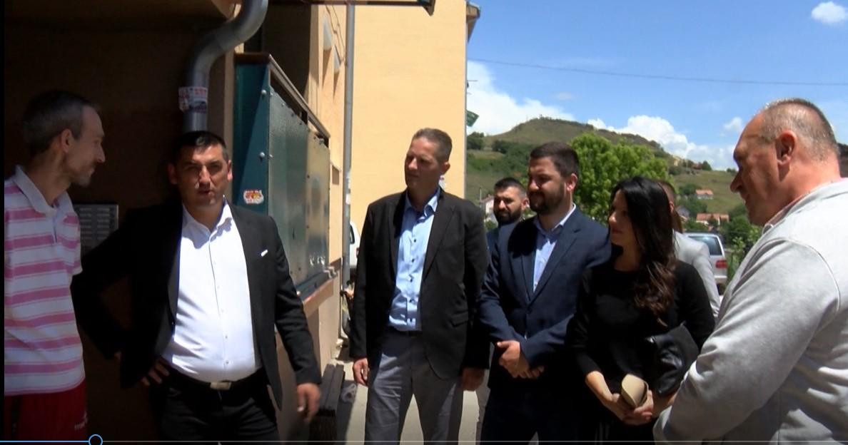 Spirić obišao početak radova na sanaciji potpornog zida kuće Milentijevića; Najavljena izgradnja dečijeg igrališta u ulici Anke Spajić