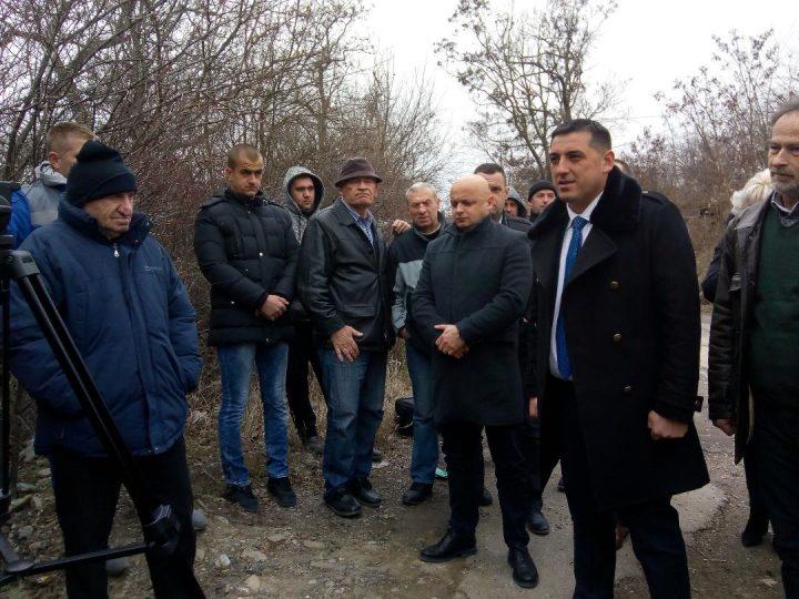 Spirić sa raseljenima iz Svinjara: Za Jovanovića posao, meštanima autobuska linija
