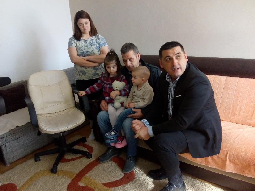 Značajna pomoć za porodicu Tučev: Podrška malom biznisu i posao za Eleonoru