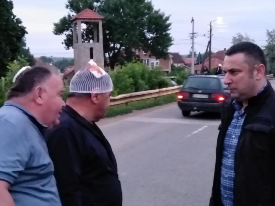 Srđan Popović posetio povređene Srbe u Donjoj Gušterici