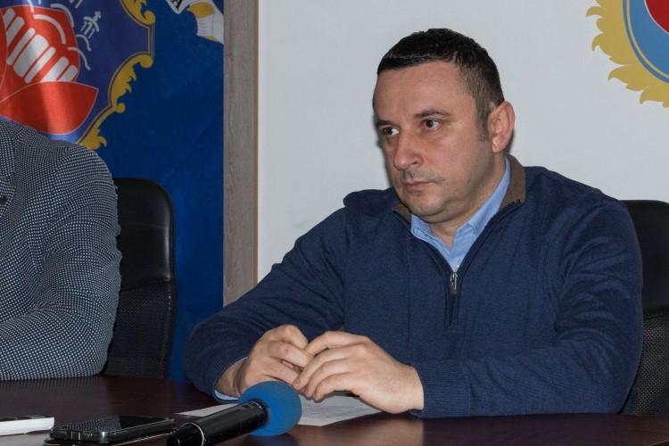 Predsednik Srđan Popović učenicima i nastavnicima čestitao školsku slavu