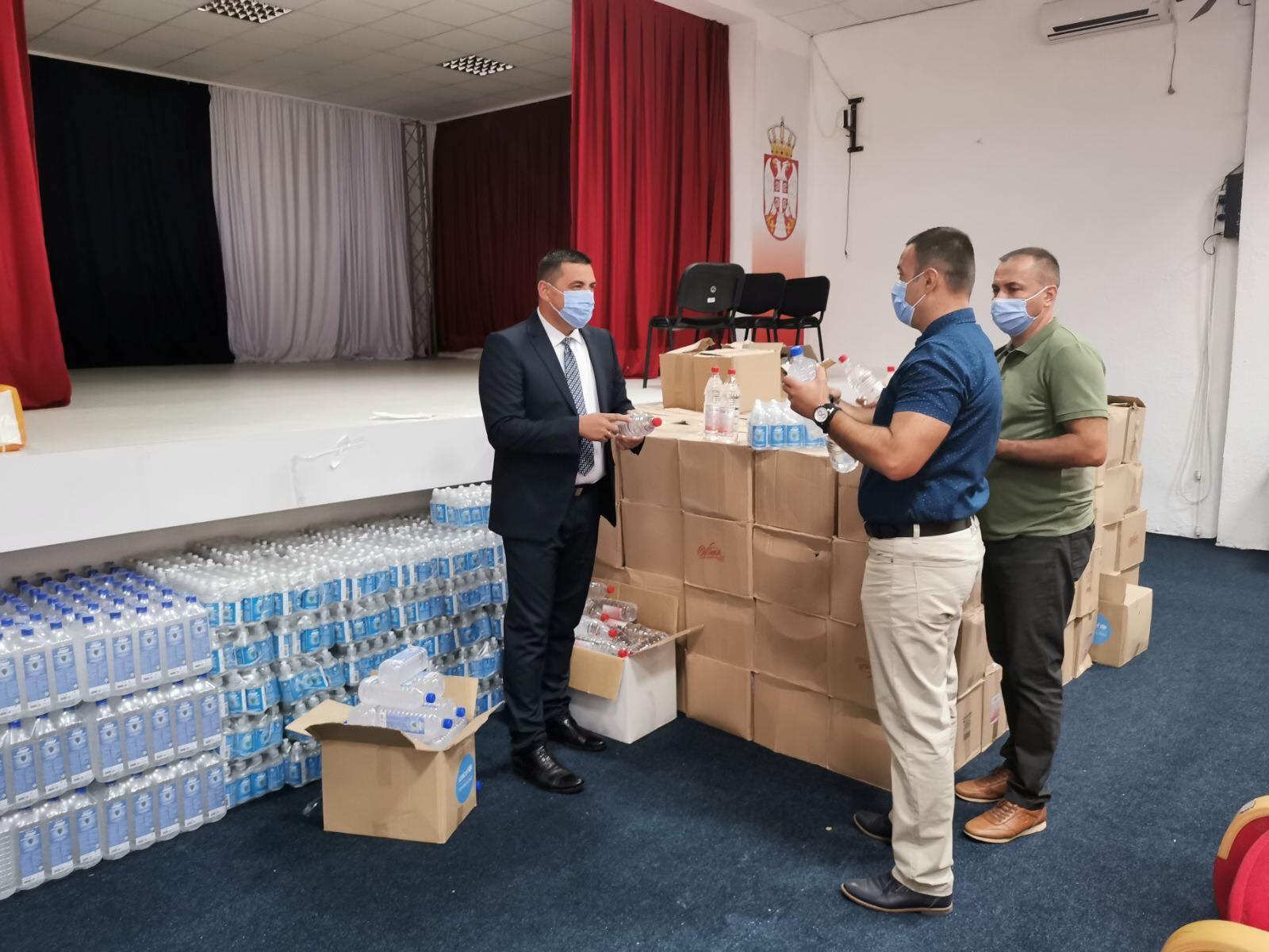 Privremeni organ Opštine Kosovska Mitrovica obezbedio dezinfekciona sredstva za škole
