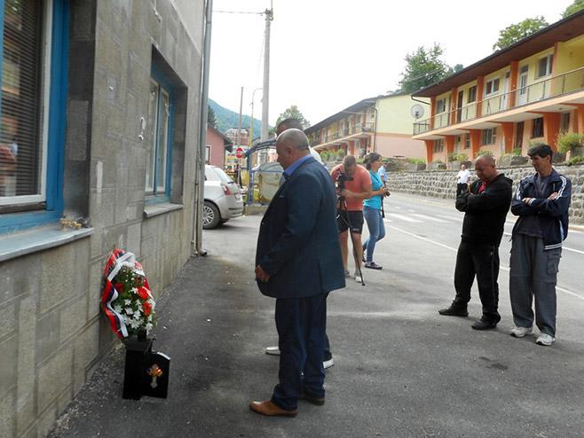 Odata počast Srbima ubijenim u srebreničkim logorima