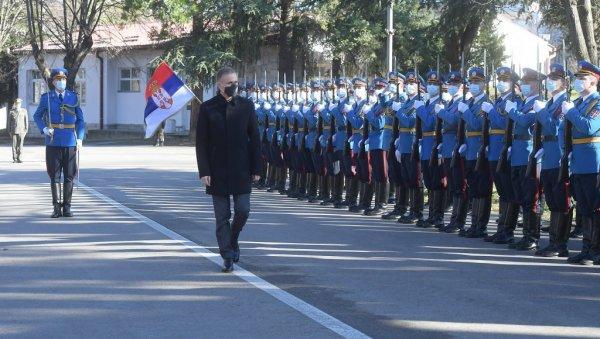 Stefanović: Vojska će nastaviti da štiti bezbednost građana