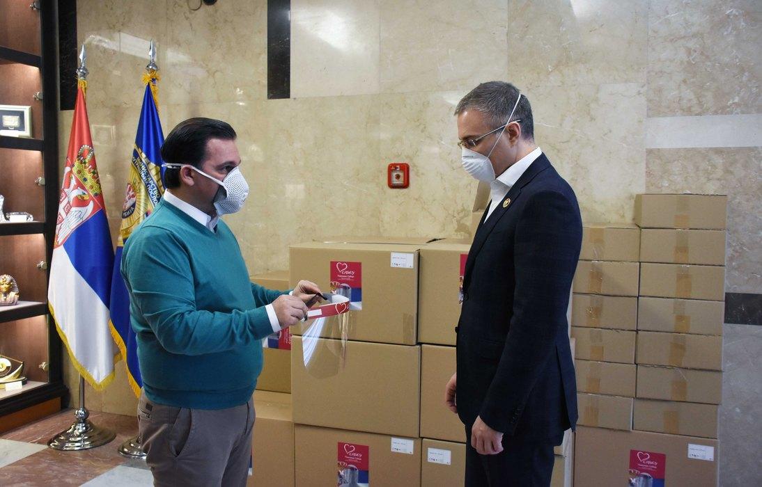 Stefanović: Za policajce 5.000 vizira, brinemo o zaštiti