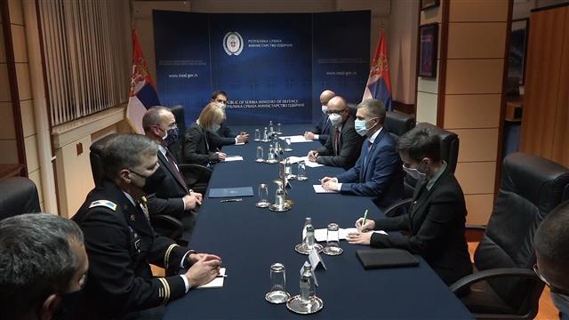 Stefanović i Godfri o nastavku saradnje Srbije i SAD