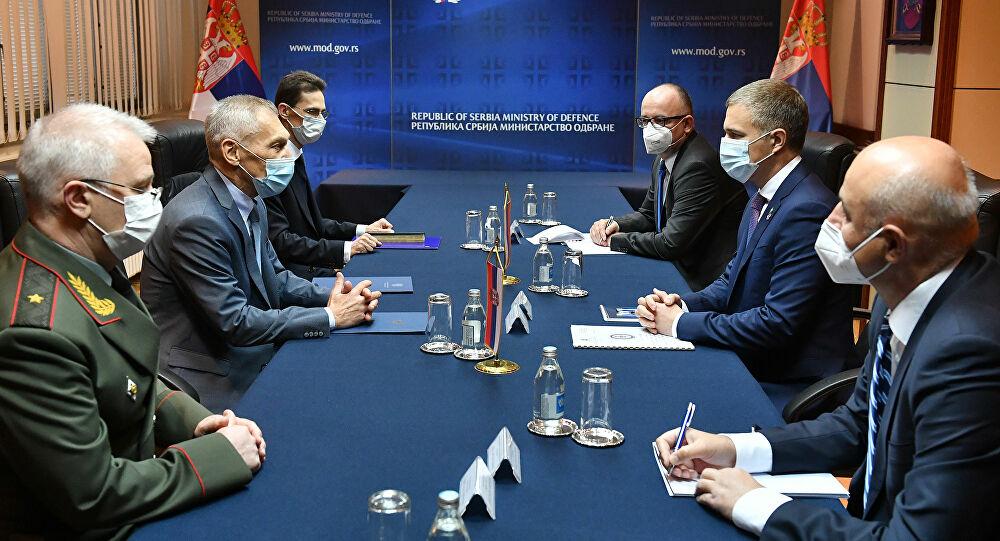 Ministar Stefanović se ambasadorom Bocan-Harčenkom