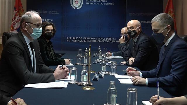 Stefanović sa Falkonijem o saradnji u oblasti odbrane