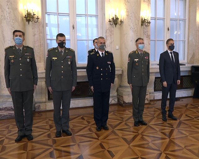 Stefanović uručio odlikovanja zaslužnim pripadnicima Ministarstva odbrane i Vojske Srbije
